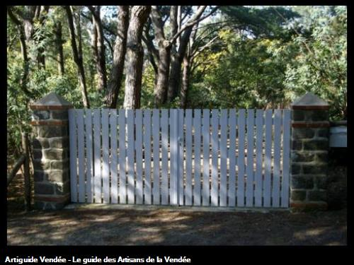 Création piliers en pierres Bois de la Chaize (Noirmoutier)